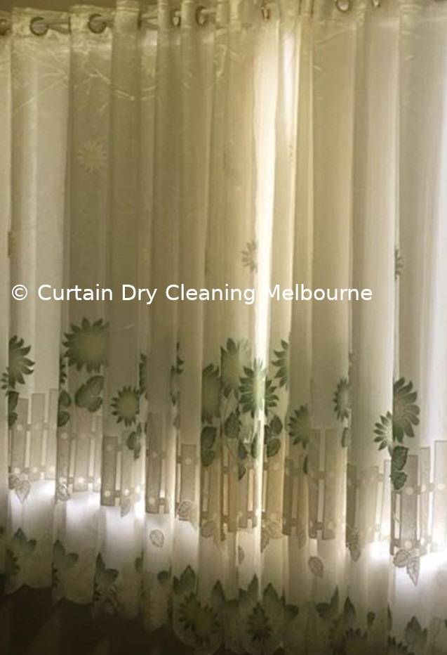 Curtain Cleaning Before after Image